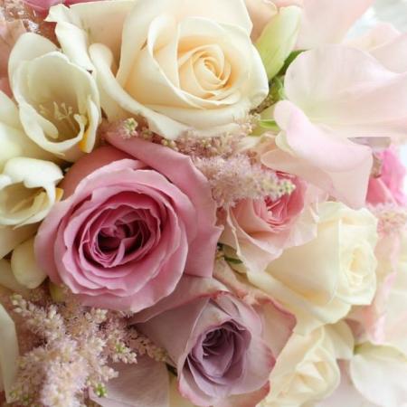 Bucbet de mireasa enrose rozuri pastel (1)