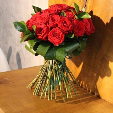 Buchet enrose trandafiri rosii (3)