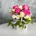 Aranjament floral trandafiri miniroze