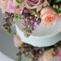 aranjament flori romantic primavara liliac trandafiri pastel