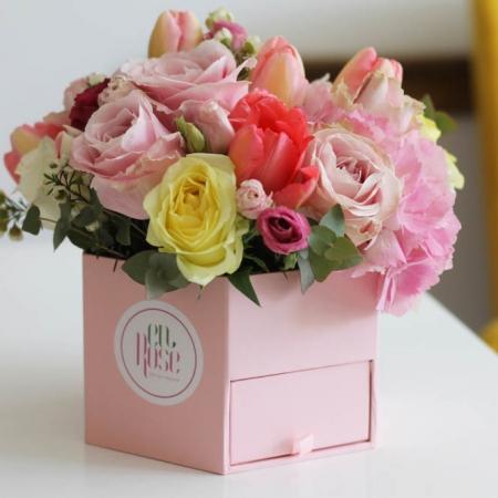 Aranjament floral Mademoiselle Rose