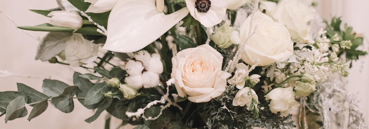 Aranjament floral alb Russian Waltz