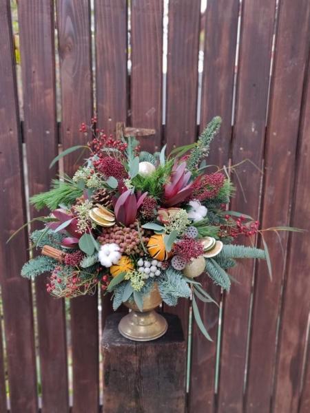Aranjament de iarna in cupa de bronz Christmas Delight