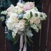 Buchet de flori cu liliac alb