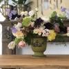 Aranjament floral de primavară în cupă