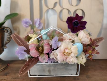 aranjament floral de paste culori pastel