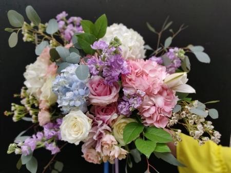 Buchet de flori spectaculos colorat