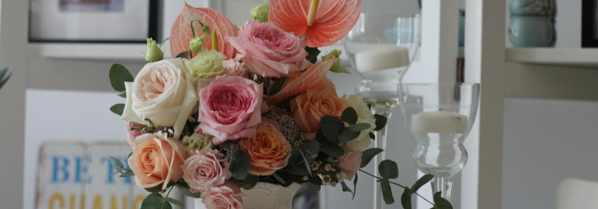 Aranjament floral roz Tropical Paradise