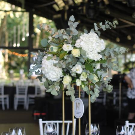 Aranjament de masă pentru nunta stil sauvage