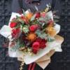 Buchet deosebit cu flori roșii