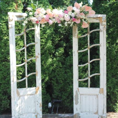 arcadă florală uși vintage Colourfu