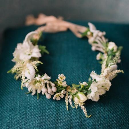 Coroniță de flori pentru mirese