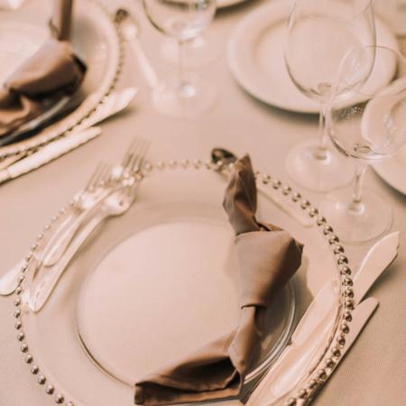 Șervete textile gri-lila pentru nuntă