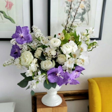 Aranjament elegant cu liliac Spring of hope