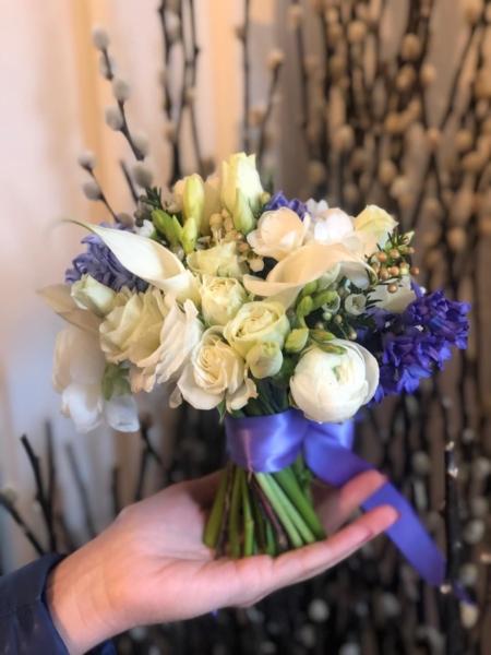 Mini buchet cu flori frumoase Petite mademoiselle