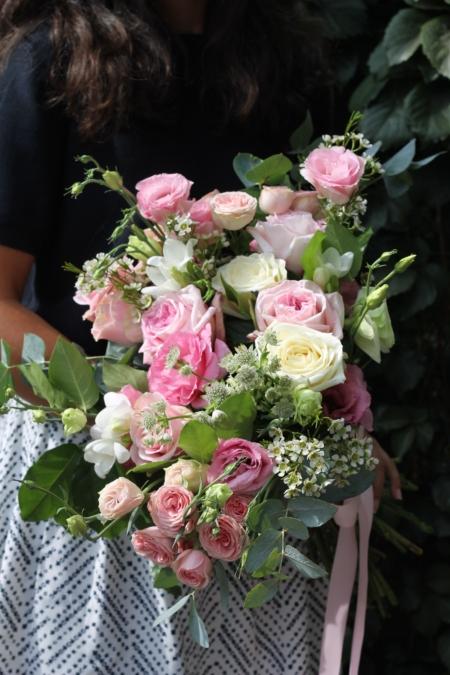 Buchet cu trandafiri și lisianthus în nuanțe de roz Celine