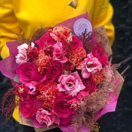 Buchet cu flori fuchsia Deep love