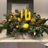 Aranjament de sărbători în culoarea anului Illuminating Yellow