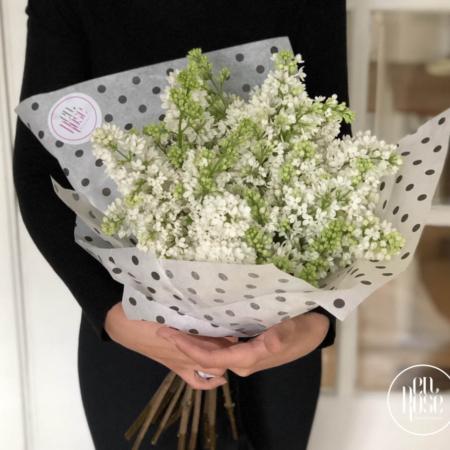 buchet de flori cu liliac alb Papillons